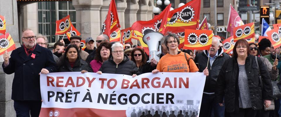 Rassemblement pour des négociations équitables au bureau du PM