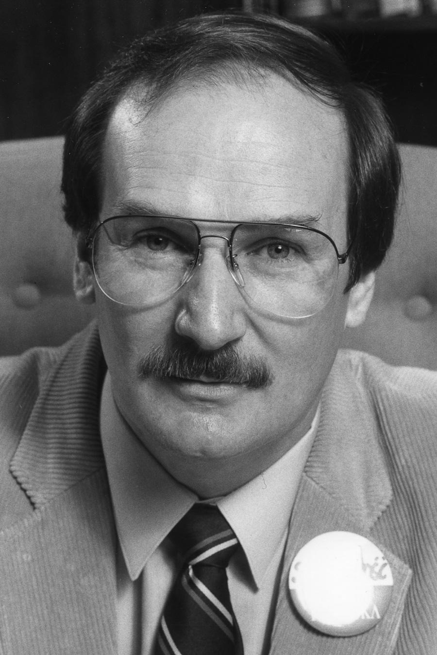 Pierre Samson a été élu président national de l'Alliance de la Fonction publique du Canada le 23 avril 1982.