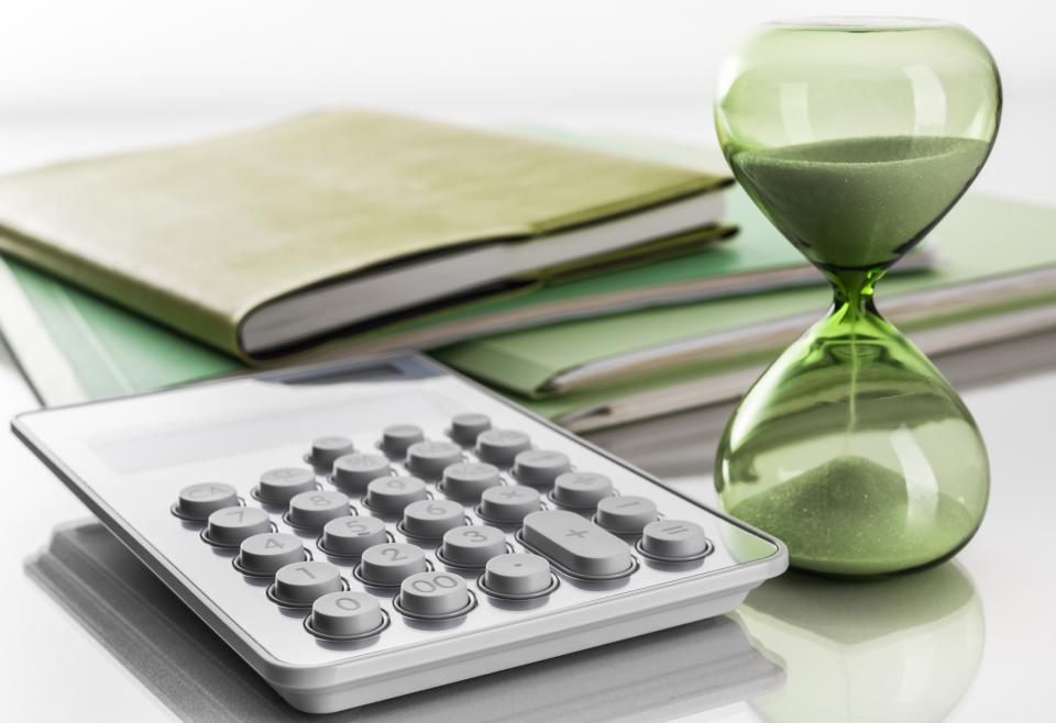 Hour glass, files, calculator.
