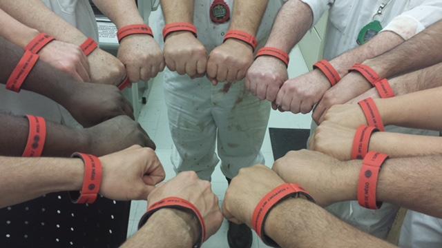 Les mains dans un circle